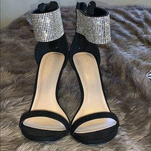 Black heel with diamond cuffs